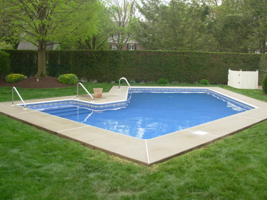 Lazy l pool with side steps kutztown pa aqua matic for Lazy l pool cover
