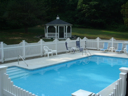 16 X 32 Pool with Side Steps - Fleetwood, PA