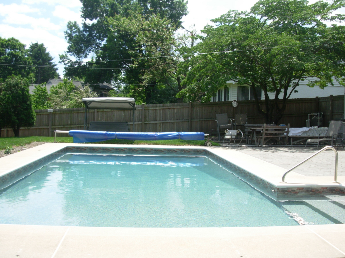 Swimming pool in West Lawn