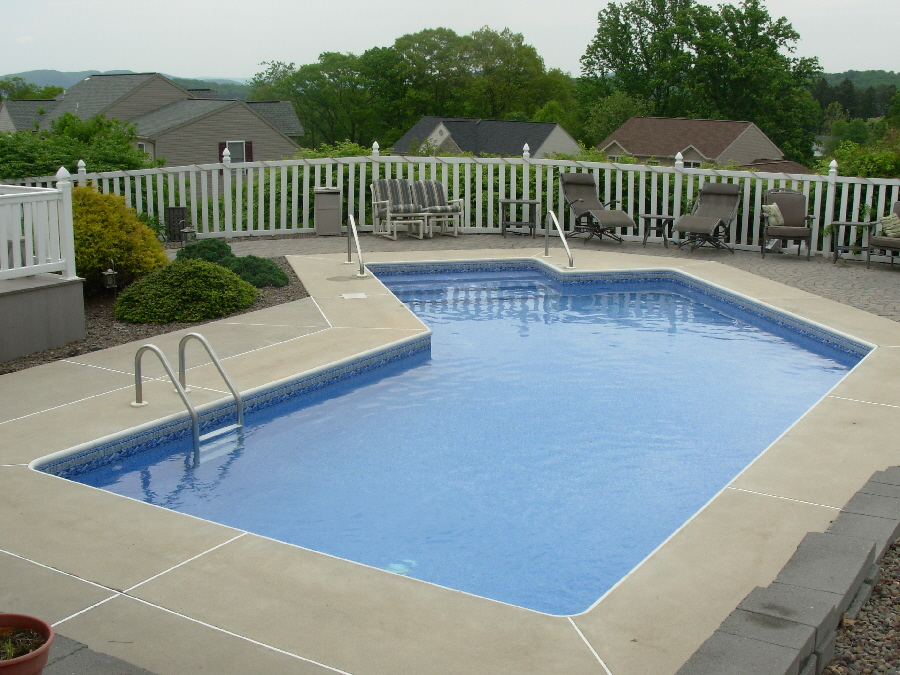 Small Lazy L Pool Design - Mohnton, PA