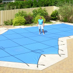 Swimming pool safety cover